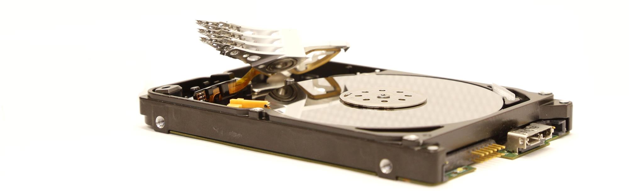 datenrettung-festplatte-reinraum-austausch-schreiblesekoepfe-bindig-media
